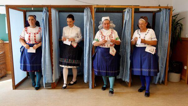 Голосование на референдуме в Венгрии по квотам ЕС на беженцев