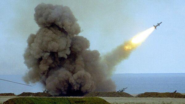 Пуск ракеты во время учений армии Украины. Архивное фото