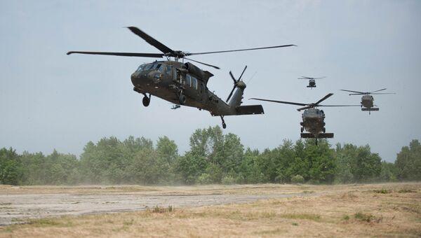 Вертолеты Black Hawk. Архивное фото