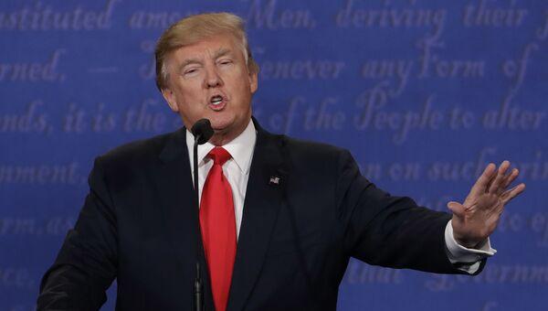 Кандидат в президенты США Дональд Трамп на третьих теледебатах. 19 октября 2016. Архивное фото