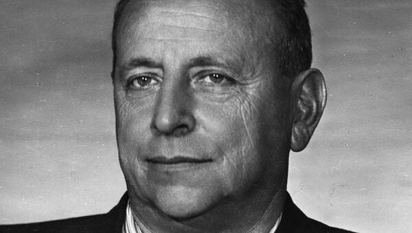 Евгений Львович Шварц, советский драматург.