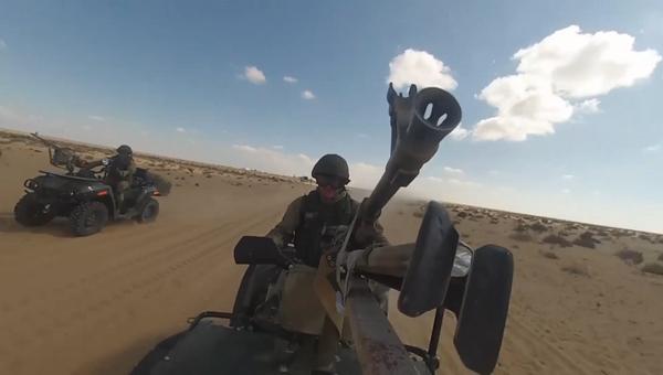 Военные РФ и Египта освободили населенный пункт от боевиков во время учений