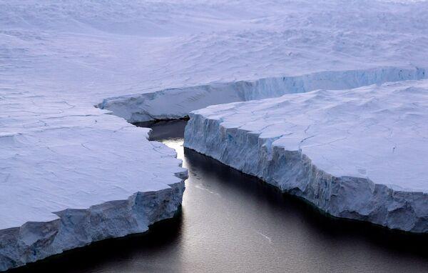 Айсберг в Антарктиде