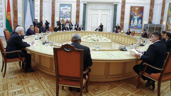 Встреча глав делегаций государств – участников Содружества Независимых Государств (СНГ) с президентом Белоруссии Александром Лукашенко. 28 октября 2016
