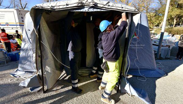 Палатки для размещения пострадавших от землетрясения. Норча, Италия