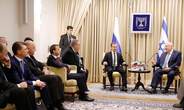Председатель правительства РФ Дмитрий Медведев и президент Израиля Реувен Ривлин во время встречи. 10 ноября 2016
