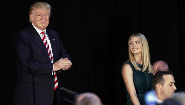 Иванка Трамп и ее отец Дональд Трамп в штате Пенсильвания. 13 сентября 2016 года