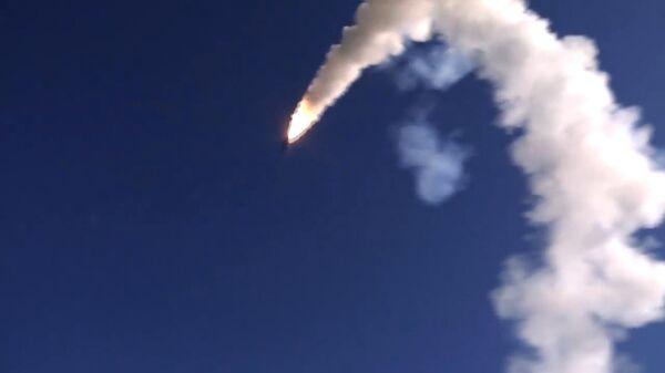 Пуск крылатой ракеты Оникс с БРК Бастион. Архивное фото