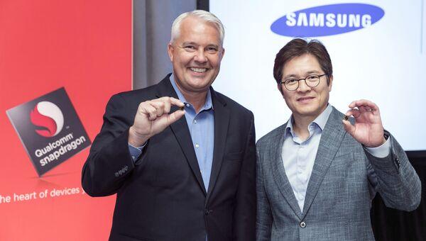 Кит Крессин и Бен Сах представляют 10-нанометровый процессор Snapdragon 835 на Snapdragon Technology Summit в Нью-Йорке