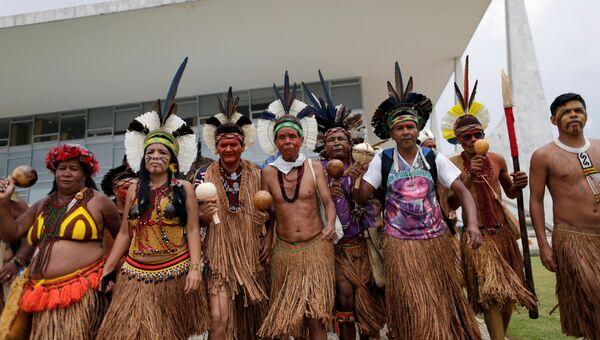Коренные жители из племени Паташо заняли часть дворца Планалту, 22 ноября 2016
