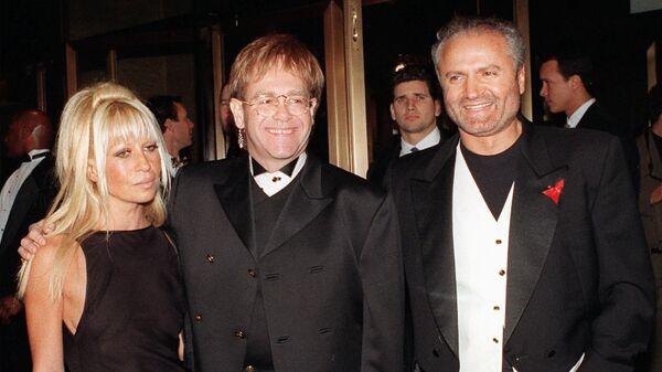 Донателла Версаче, Элтон Джон и Джанни Версаче в Нью-Йорке. 1993 год