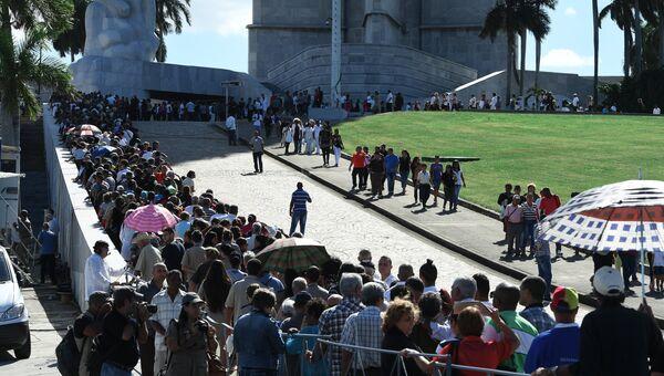 Прощание с Фиделем Кастро в Гаване у мемориала Хосе Марти