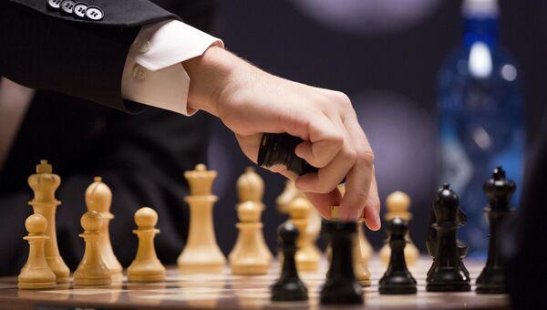 Гроссмейстер Магнус Карлсен играет белыми фигурами. Архивное фото