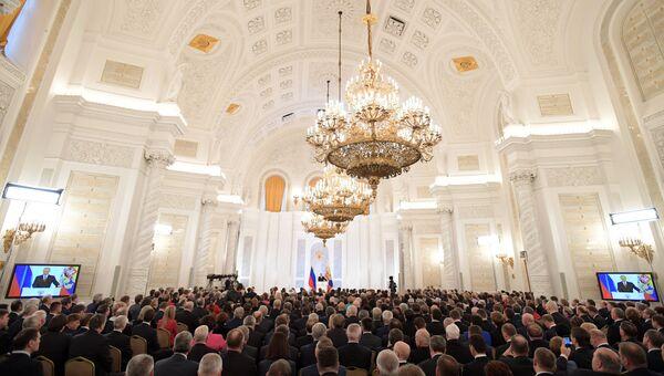 Президент РФ Владимир Путин выступает с ежегодным посланием Федеральному Собранию в Георгиевском зале Кремля. 1 декабря 2016