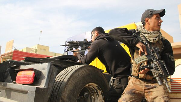 Бойцы Золотой дивизии проводят зачистку в восточных районах Мосула. Архивное фото