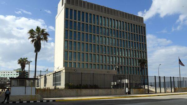 Здание посольства США на Кубе в Гаване