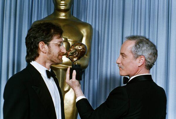 Режиссер Стивен Спилберг и актер Ричард Дрейфусс на премии имени Ирвинга Тальберга, 30 марта 1987