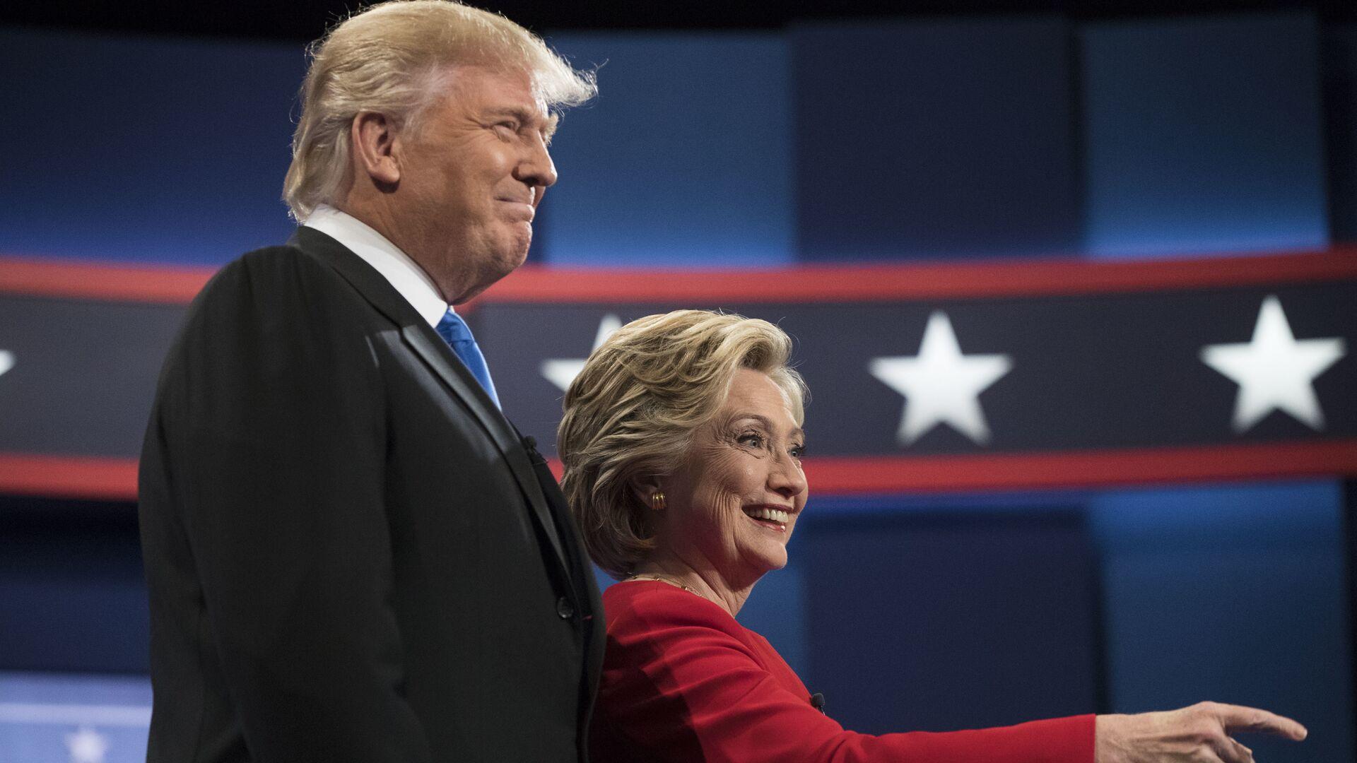 Дональд Трамп и Хиллари Клинтон во время первых президентских дебатов - РИА Новости, 1920, 30.09.2020
