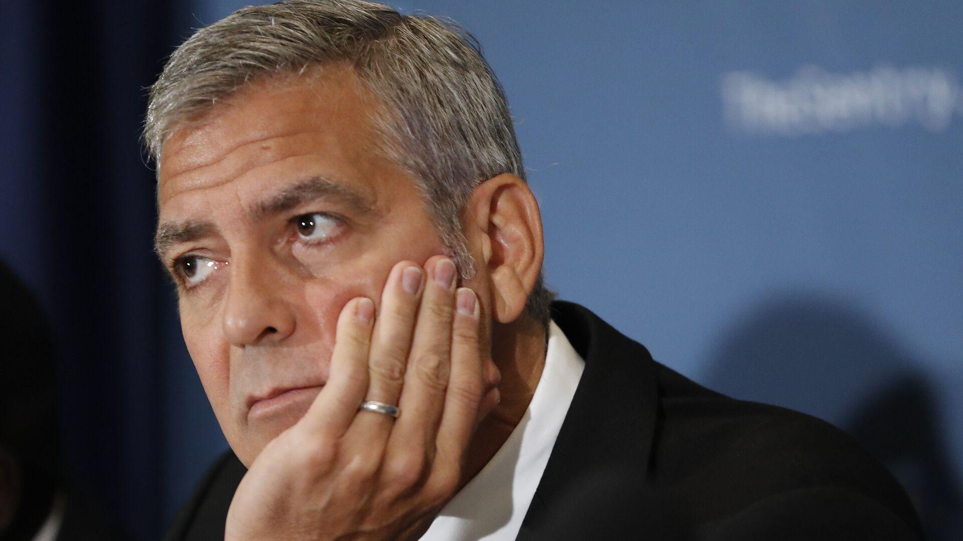 Американский актер Джордж Клуни во время пресс-конференции в Вашингтоне. 12 сентября 2016 года  - РИА Новости, 1920, 06.05.2021