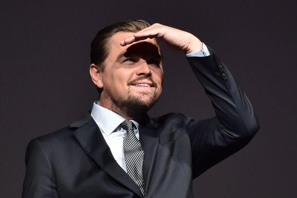 Американский актер Леонардо ДиКаприо перед премьеров фильма Спасти планету в Париже. 17 октября 2016 года