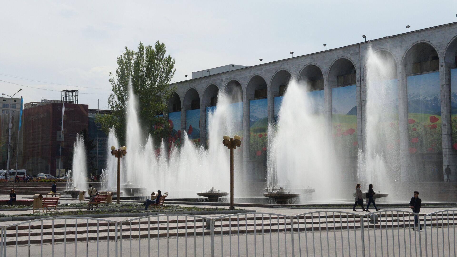 Премьер Киргизии призвал граждан активнее голосовать на референдуме
