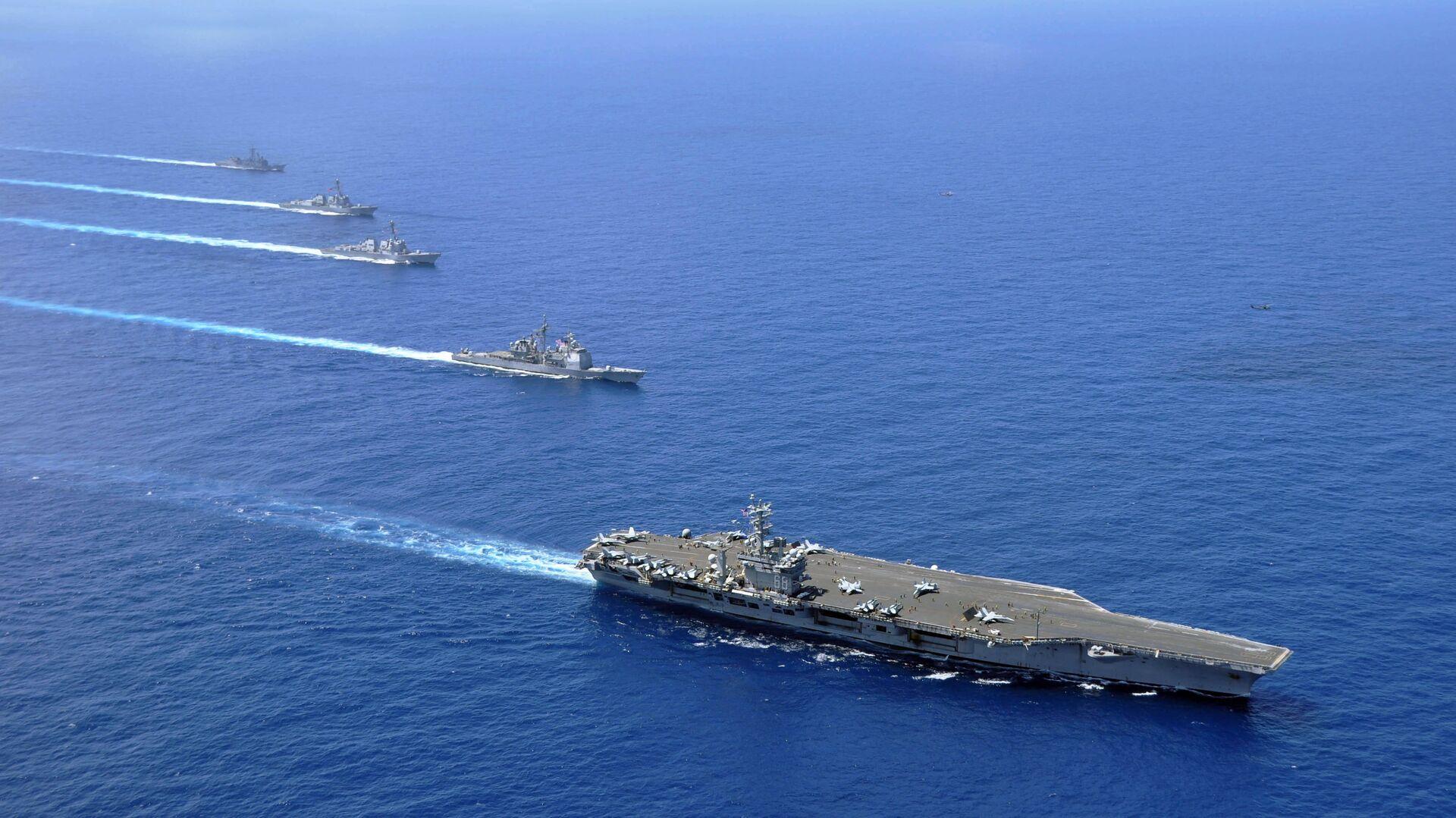 Авианосная группа 7-го флота ВМС США в Южно-Китайском море - РИА Новости, 1920, 26.09.2020
