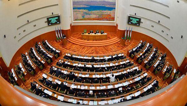 Заседание Сената Олий Мажлиса Узбекистана. Архивное фото