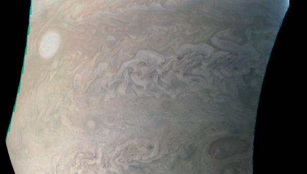 Ураган-жемчужина в атмосфере Юпитера