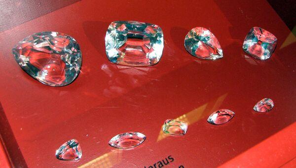 Стеклянные копии девяти бриллиантов, полученных из Куллинана