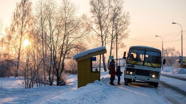Автобусная остановка. Архивное фото