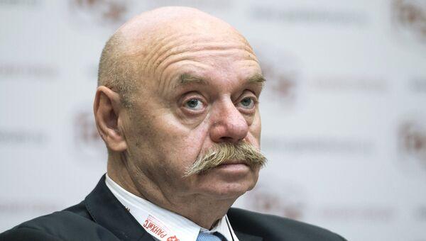 Директор Центра образования Царицыно № 548 города Москвы Ефим Рачевский. 2015 год