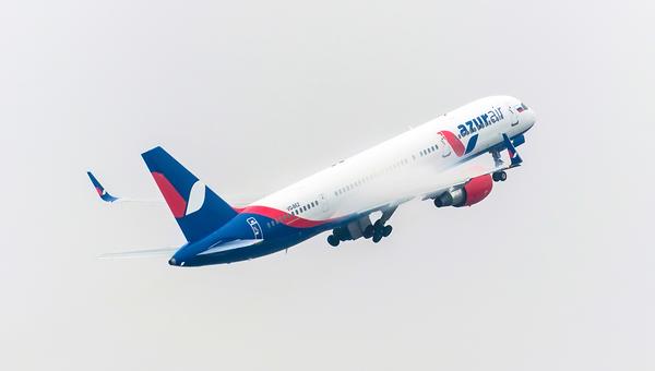Самолет авиакомпании Azur Air. Архивное фото