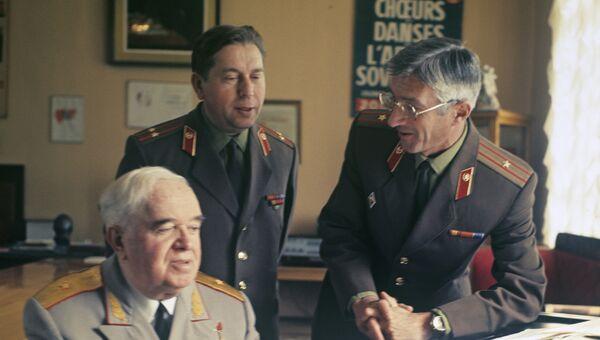 Александровцы -  Б. Александров, В. Петров и Е. Титянко