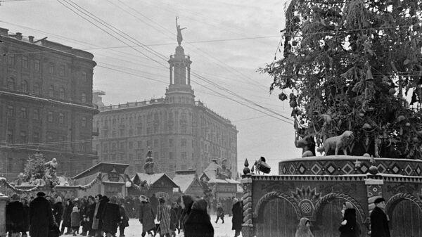 Новогодняя ярмарка на Пушкинской площади, Москва