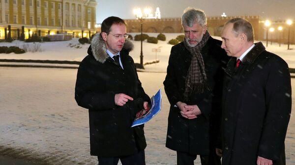 Президент РФ В. Путин осмотрел музей археологических раскопок Московского Кремля