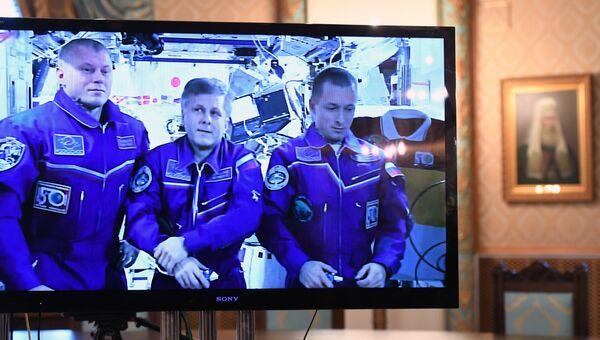 Патриарх Кирилл провел рождественский телемост с космонавтами МКС