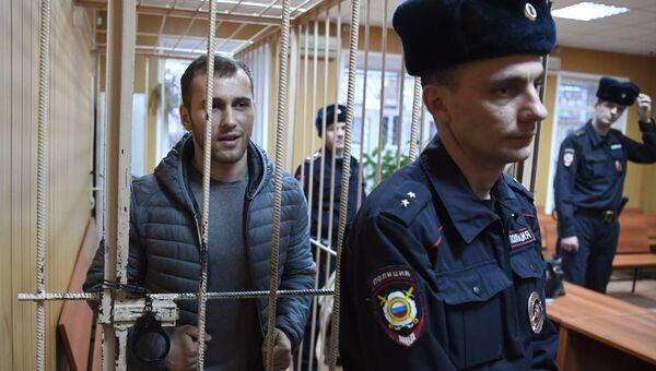 Подозреваемый в хулиганстве Ислам Муртазалиев на заседании Тверского суда города Москвы. 10 января 2017