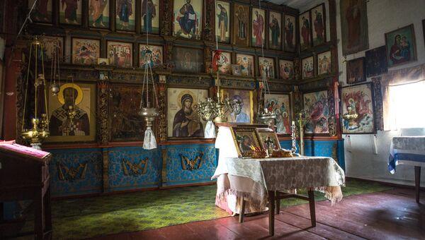 В часовне Смоленской Божьей Матери в деревне Кинерма в Карелии