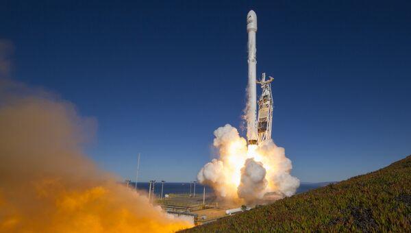 Ракета Falcon 9 компании SpaceX. Архивное фото