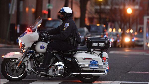 Полицейский на одной из улиц Вашингтона. Архивное фото