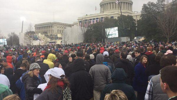 Гости перед началом церемонии инагурации президента США Дональда Трампа