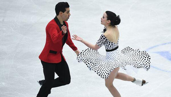 Анна Каппелини и Лука Ланотте выступают в короткой программе танцев на льду на чемпионате Европы по фигурному катанию в Остраве