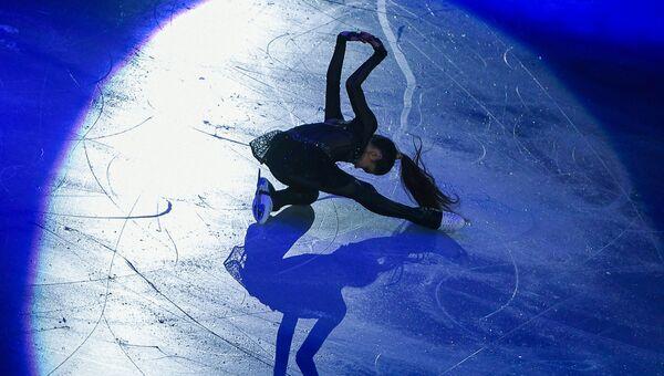 Евгения Медведева (Россия) во время показательных выступлений на чемпионате Европы по фигурному катанию в Остраве