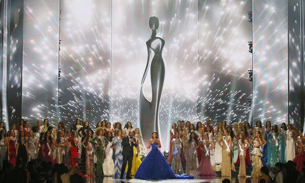 Мисс Вселенная-2015 Пиа Алонсо Вуртцбах