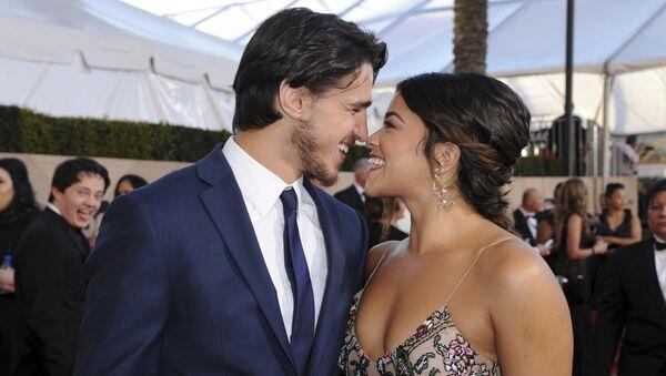 Джо Лосисеро и Джина Родригез на церемонии вручения премии Гильдии киноактеров США в Лос-Анджелесе