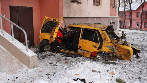 Дом, пострадавший в результате обстрела украинскими силовиками, в Донецке. 1 февраля 2017