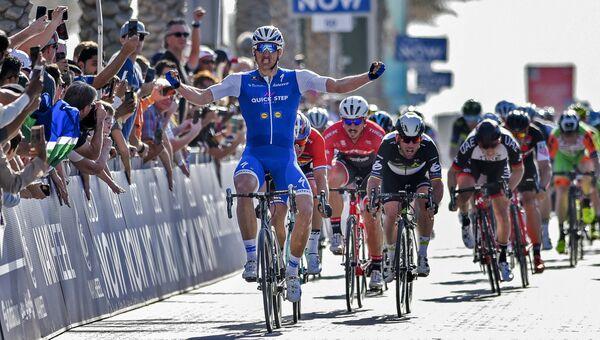 Лидер велогонки Тур Дубая немецкий спортсмен Марсель Киттель из команды Quick-Step. 31 января 2017