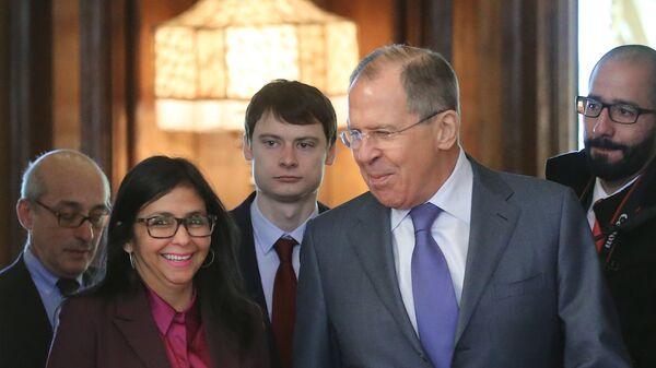 Министр иностранных дел РФ Сергей Лавров и министр иностранных дел Венесуэлы Делси Родригес во время встречи в Москве. 6 февраля 2017