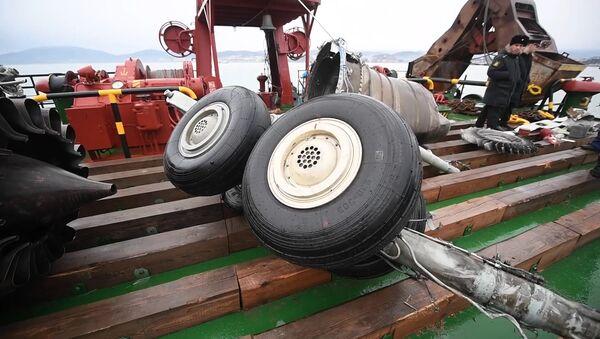 Фрагменты самолета Ту-154, потерпевшего крушение над Черным морем у берегов Сочи. Архивное фото
