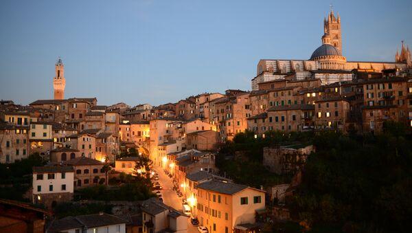 Вид на Сиенский собор, Италия. Архивное фото